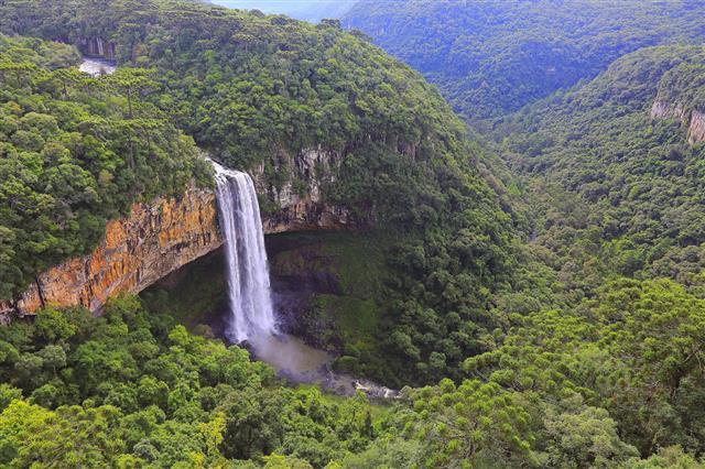 Impressive Caracol Falls