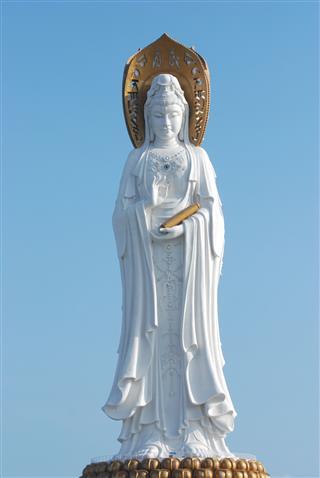 Kwan In Statue