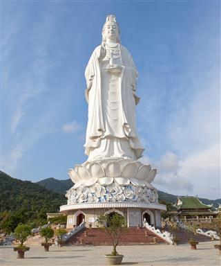 Statue Of Kwan Yin