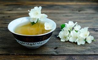 Jasmine Tea With Flowers