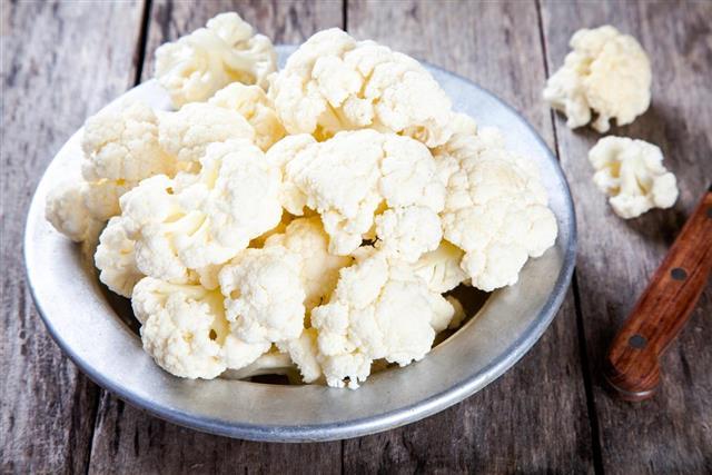 Fresh raw cauliflower in bowl