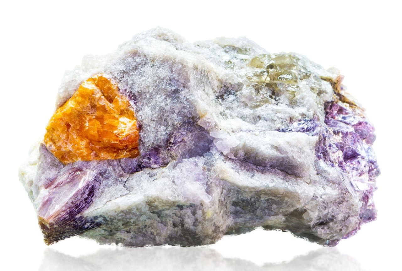 Discover the Hidden Healing Properties of the Garnet Gemstone