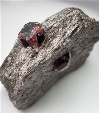 Rocks And Minerals Garnet