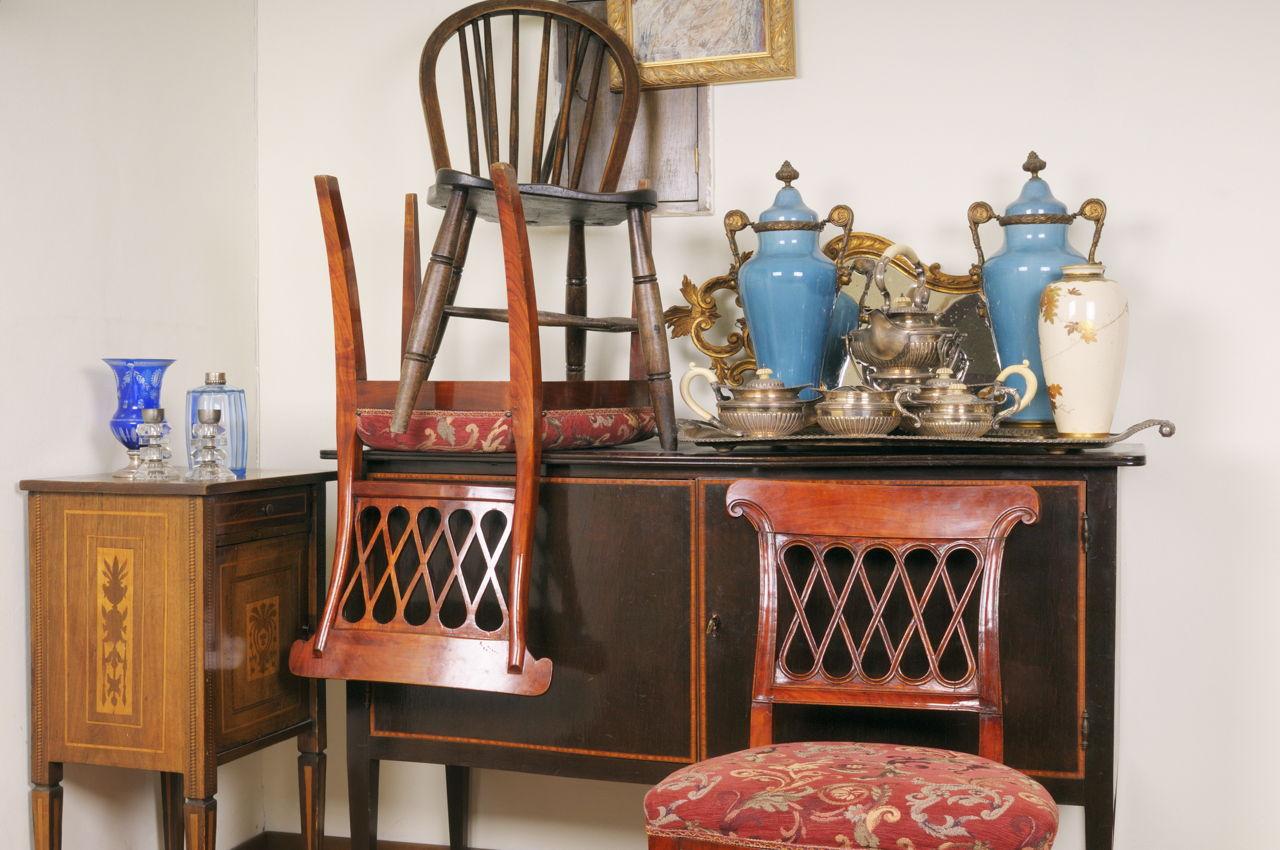 Vintage Furniture Antique Shop Start Rental Business
