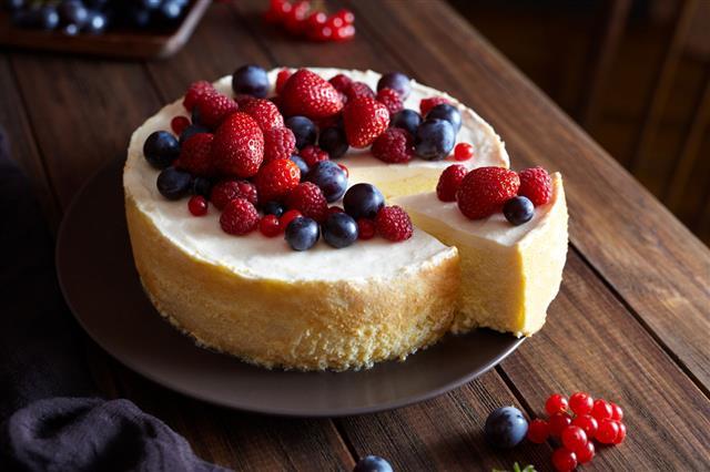 Winter Berry Fruit Cheesecake