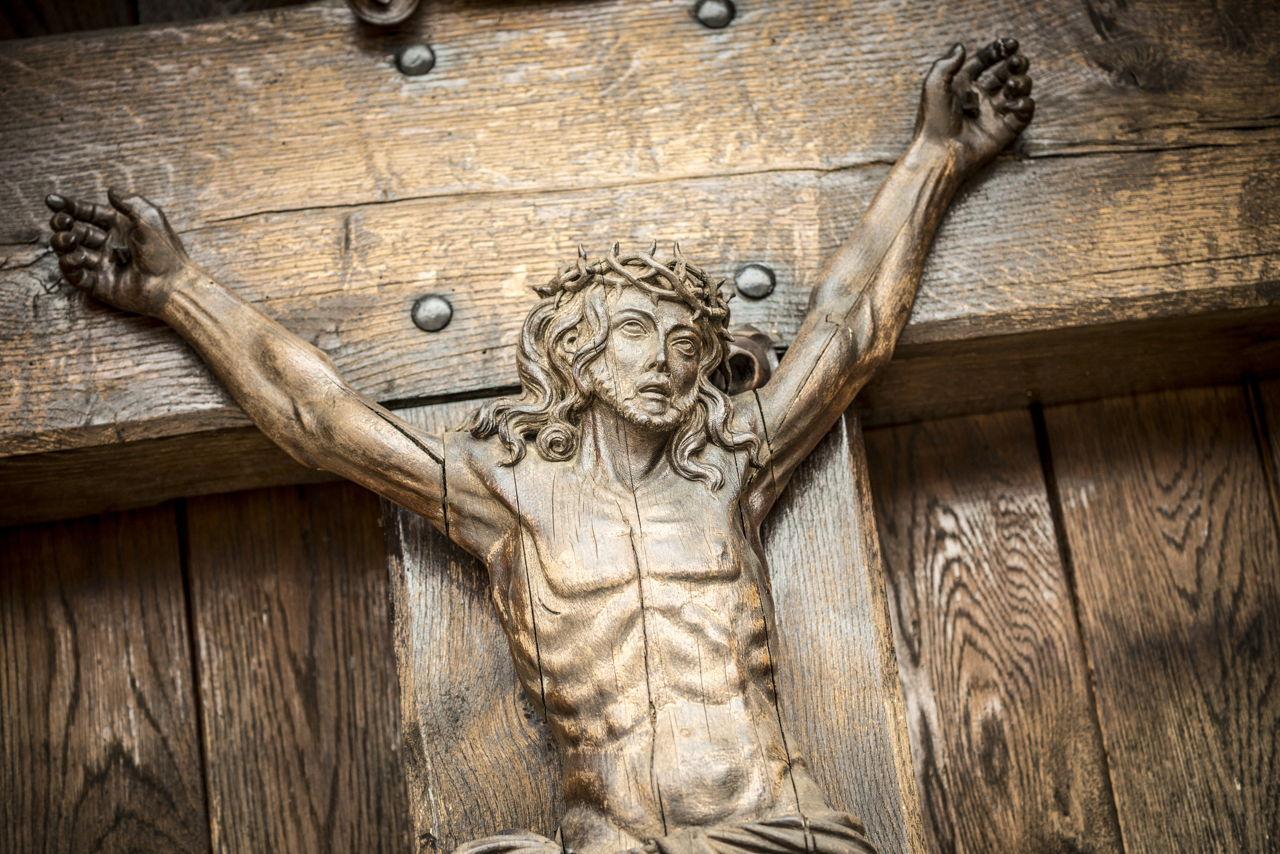Bas relief vs high comparing popular sculpture