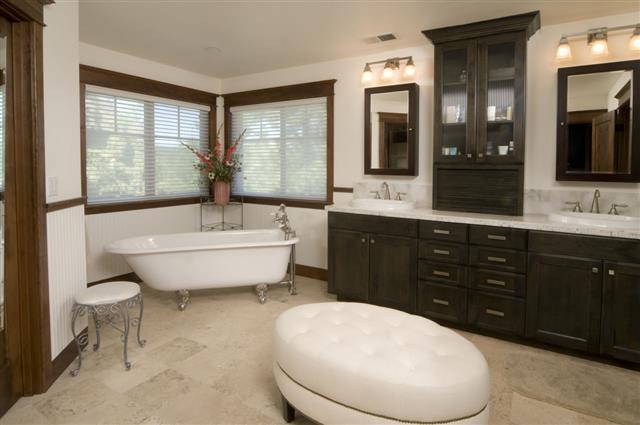 Modern Wooden Bathroom Bathtub