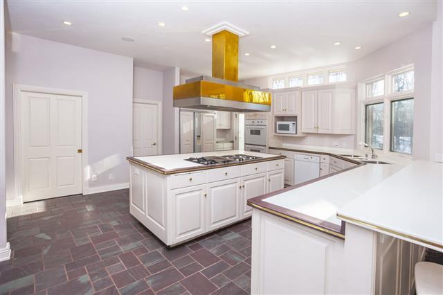 Clean White Modern Spacious Kitchen