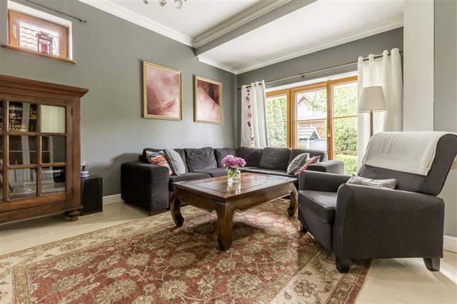 Classic Style Living Room Idea