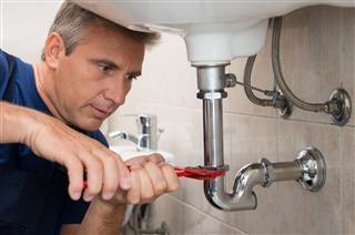 Plumber Repair Water Pipe