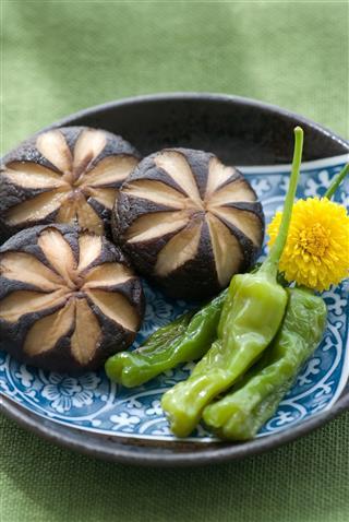 Shiitake Green Pepper On Plate