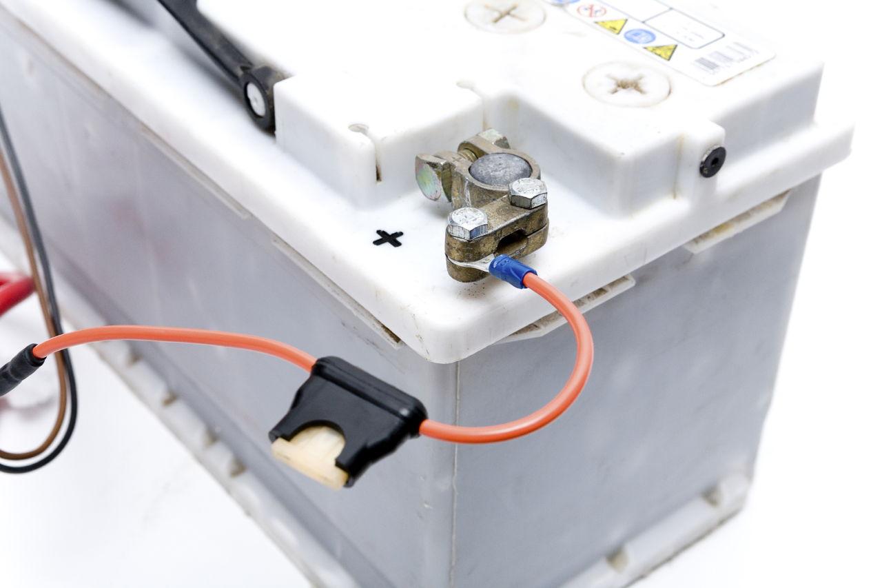 Dead Car Battery Symptoms