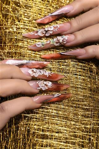Glam manicure
