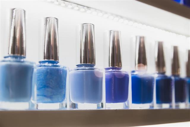 Nail polish collar color lakes