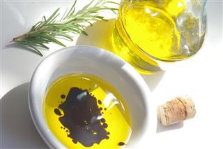 Olive Oil With Vinegar