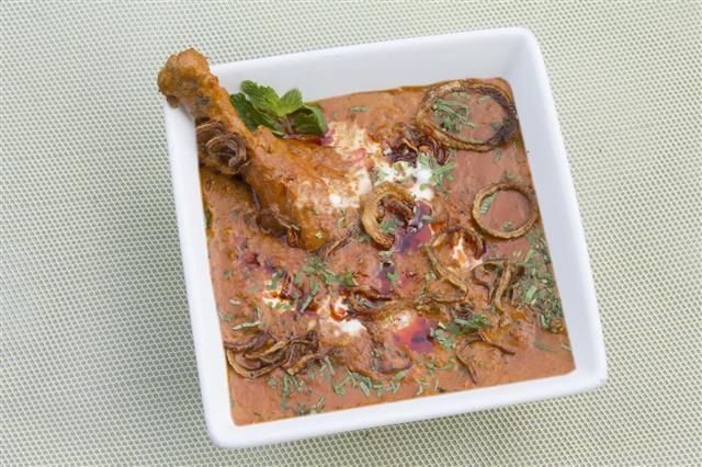 Hyderabad Lagani Murgh Curry