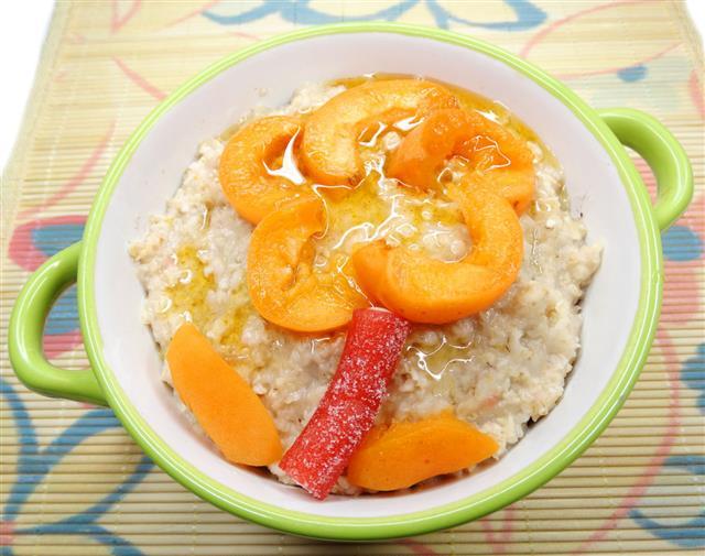 Oatmeal Porridge With Fruit