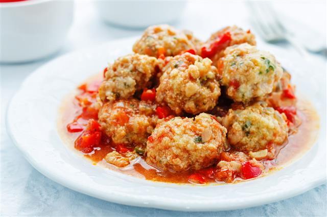 Fish Balls In Tomato Sauc