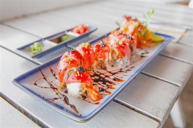 Tuna Maki Sushi For Healthy Lunch