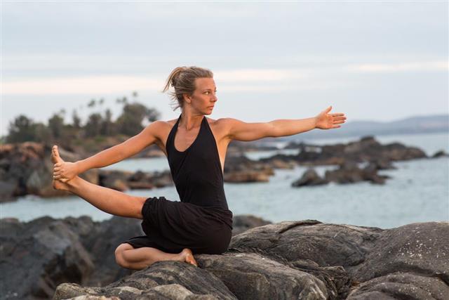 Yoga girl ocean