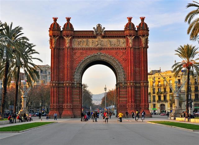Arch Of Triumph In Barcelona City