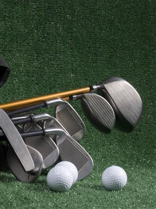 Golf Clubs Balls