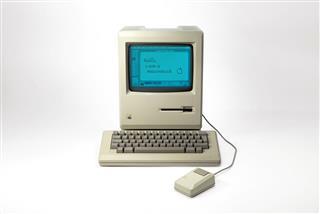 Historic Macintosh 128K