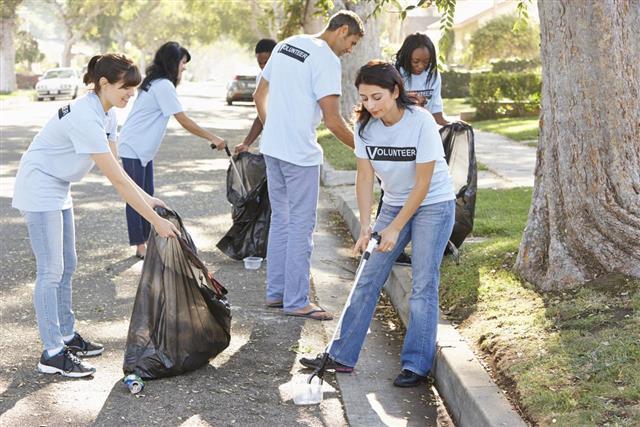 Volunteers cleaning up litter