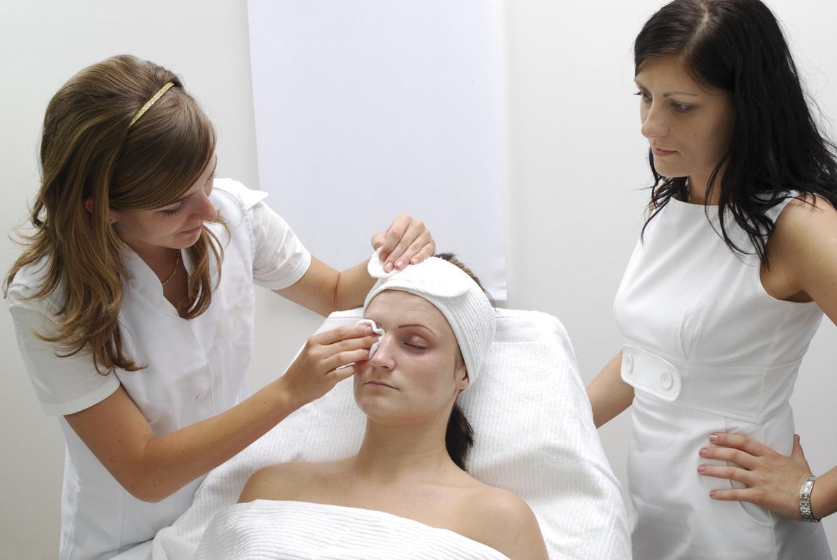 How to Exfoliate Dry Skin