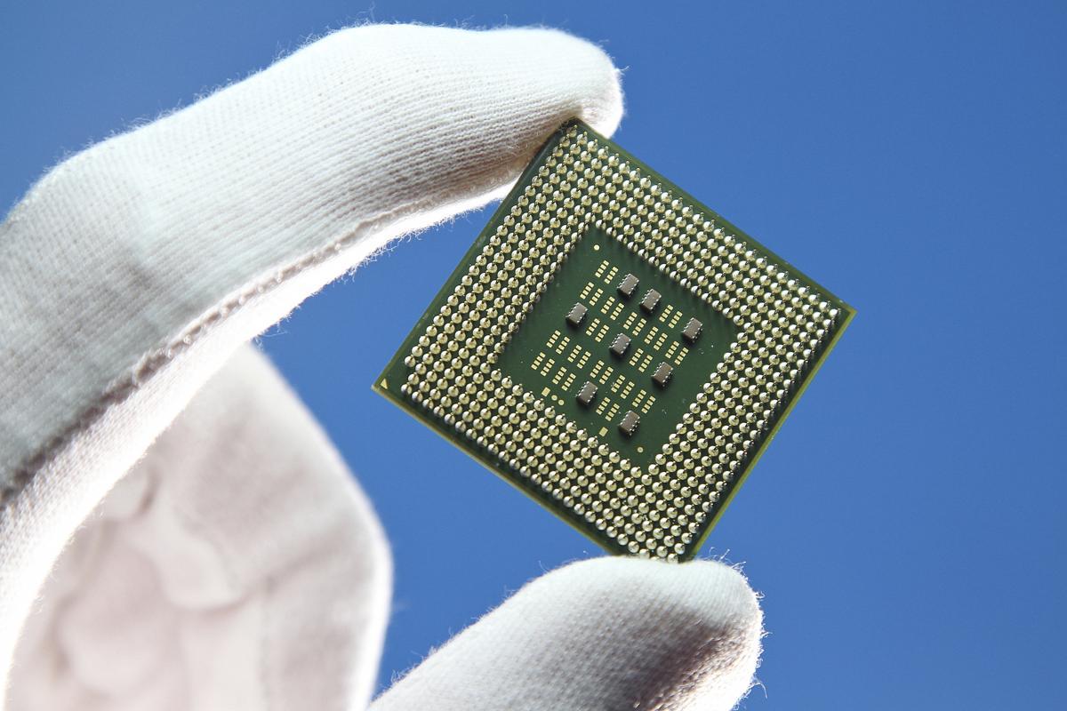 AMD Vs. Intel Mobile Processors