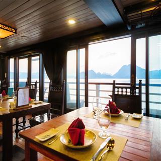 Cruise Ship Restaurant Table
