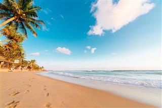 Hikkaduwa Narigama Beach Sri Lanka