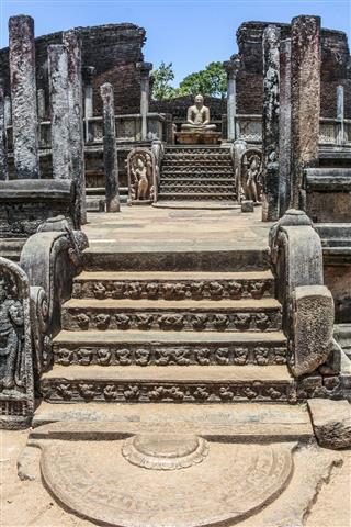 Entrance To The Old Vatadage