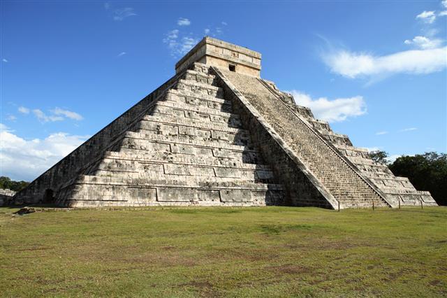 Mayan Pyramid Chichen Itza