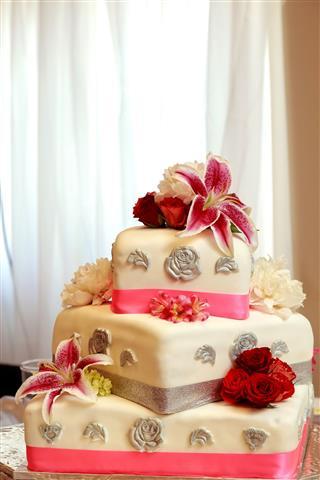 Traditional Decorative Wedding Cake