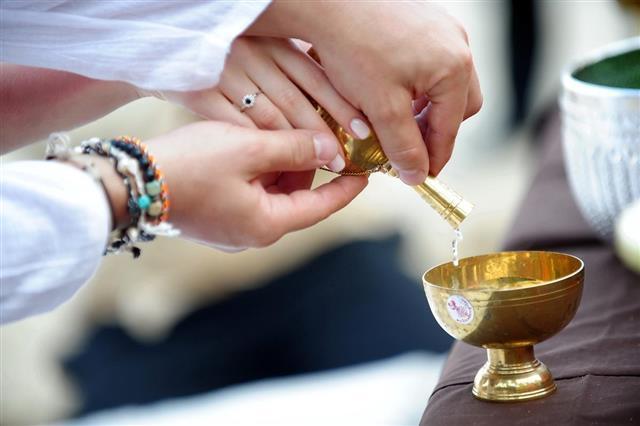 Buddhism wedding ceremony