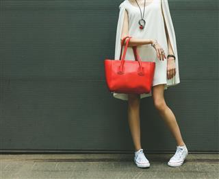 Fashionable Big Red Handbag With Shoes