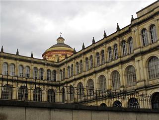 Colegio San Bartolome Centro Bogota