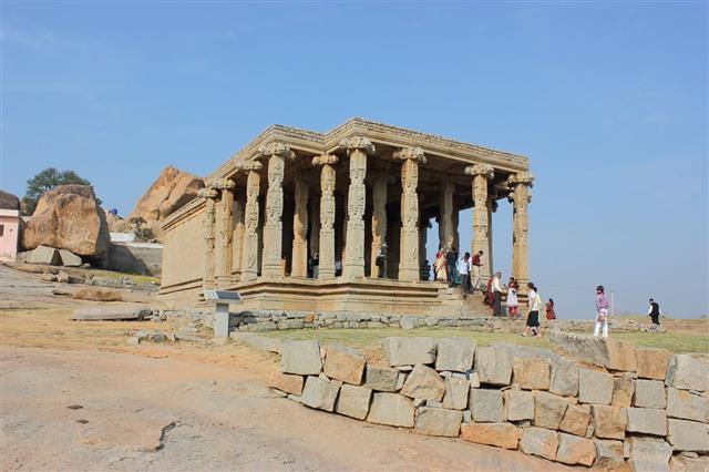Sasivekalu Ganesha Temple