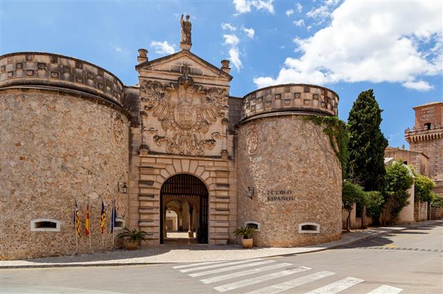 Pable Espanol Spanish Village